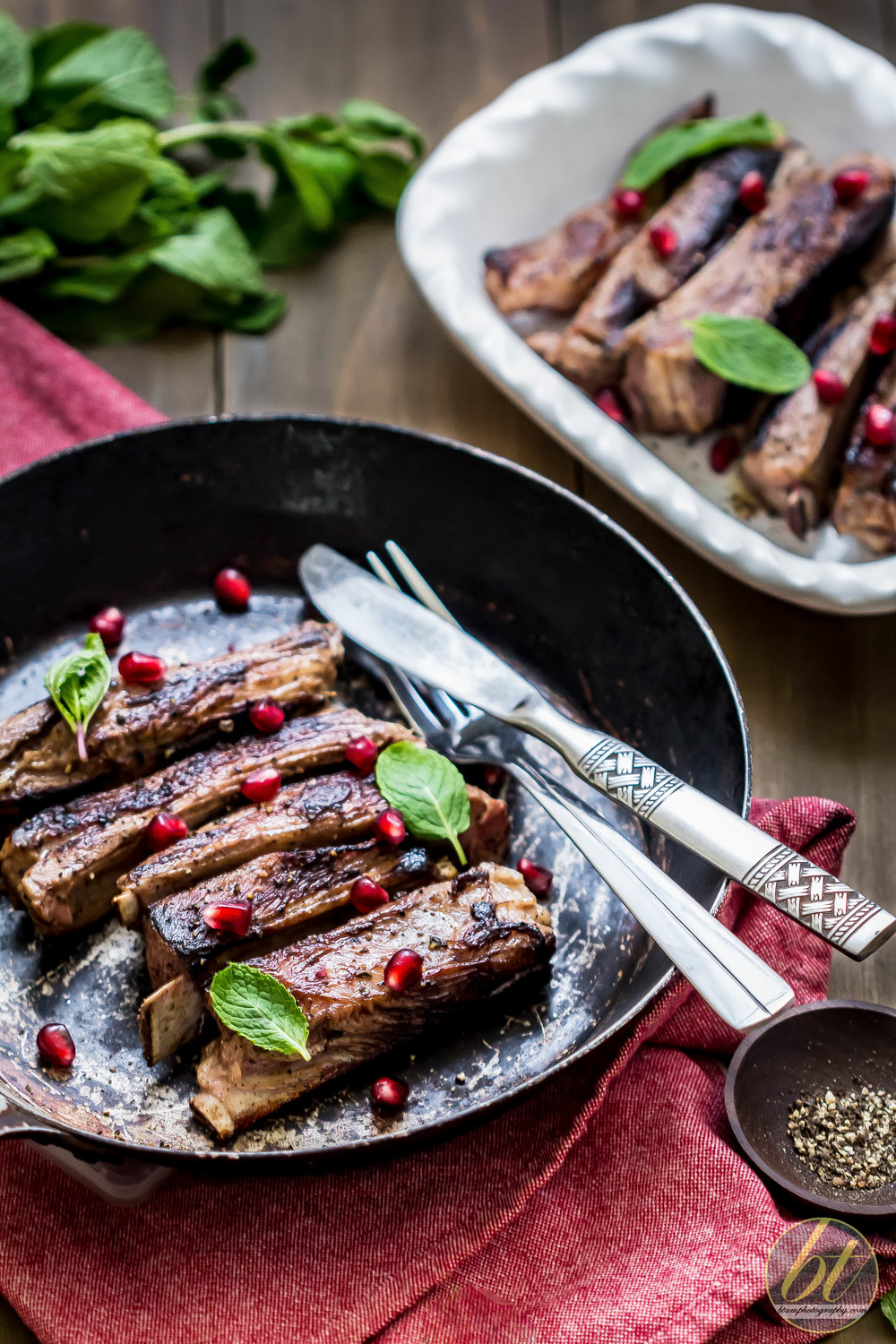 Lamb riblets with mint and pomegranate
