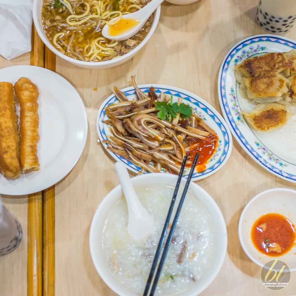 Mother Chu's Taiwanese Haymarket Flatlayyyy