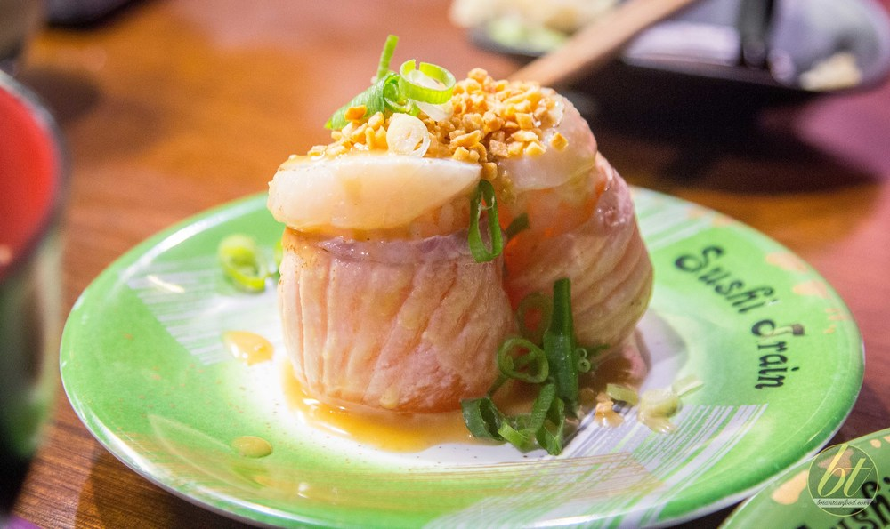 Miso Garlic Salmon & Scallop Ship ($5.50)