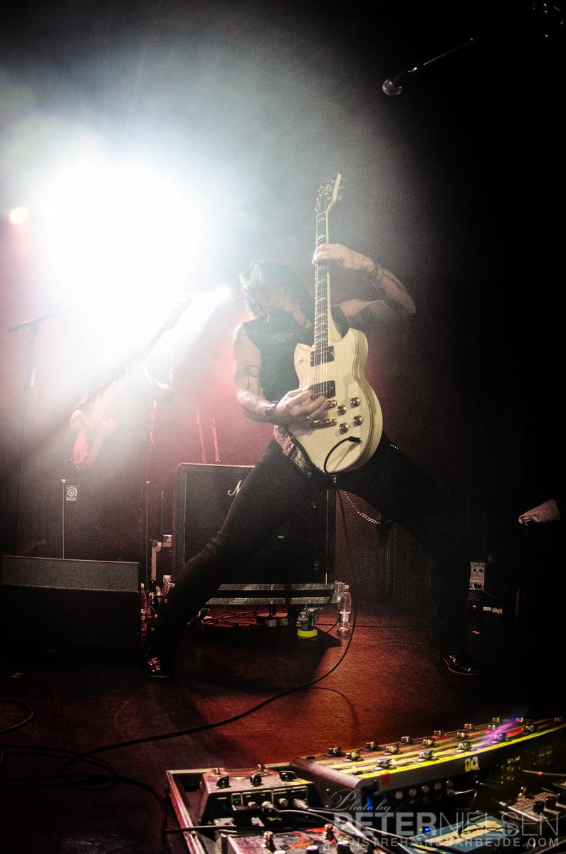 electric-guitars-09.jpg