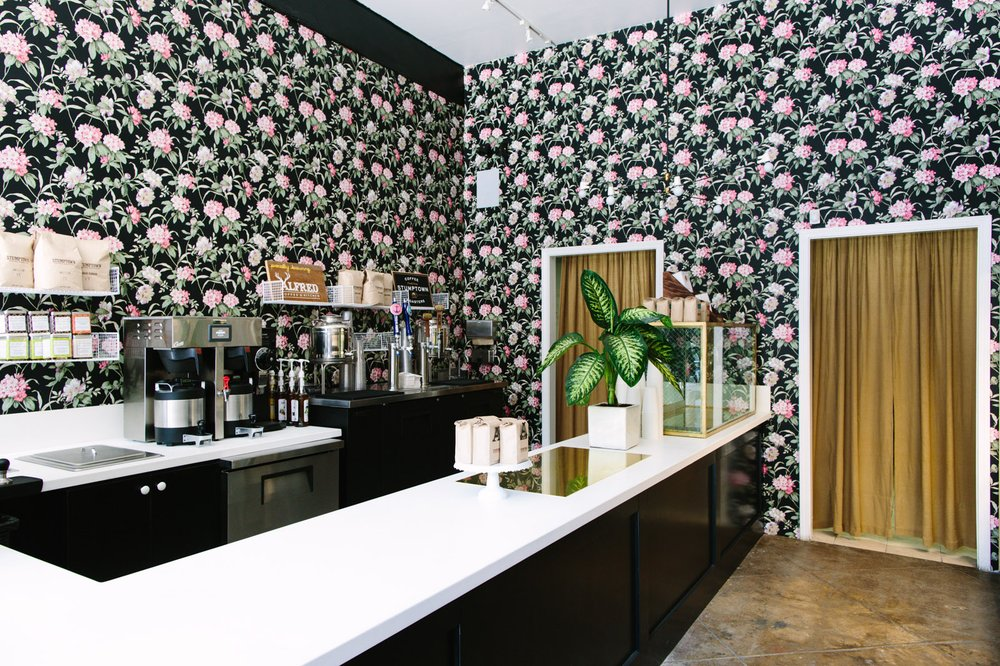 Alfred Coffee in Silver Lake, Los Angeles. Love this floral wall paper!