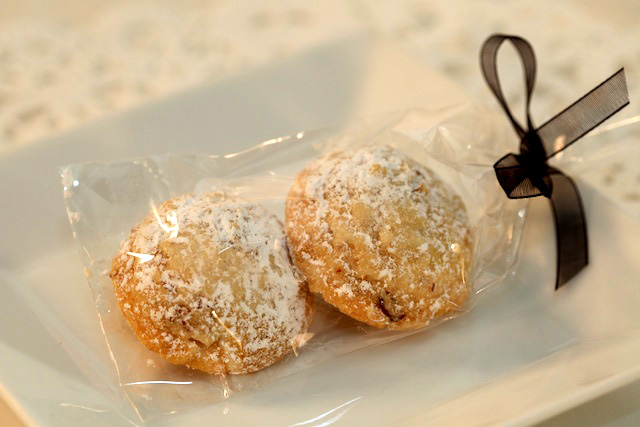 patisserie_angelica_wedding_favors_3.jpg