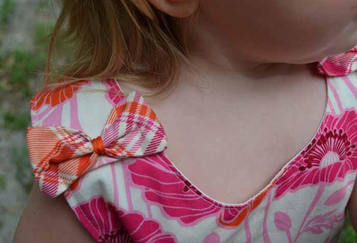 Sweet shoulder bows