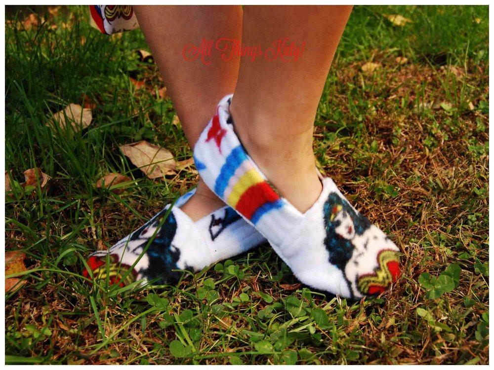 pr_xmas_pjs_slippers_front_wm.jpg