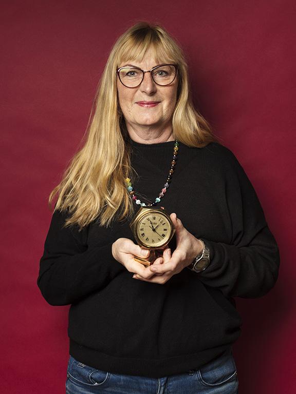 Ann-Christin Palmqvist satsade på mässing, bland annat fyndade hon den här fina mässingsklockan från Gusum.