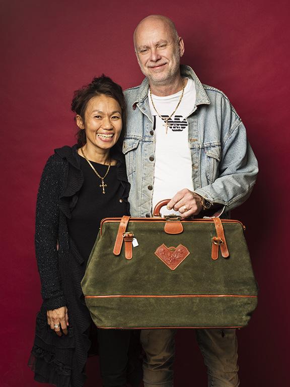 Micke och Thi Wahlkvist hittade en fin grön väska för 300 kr.