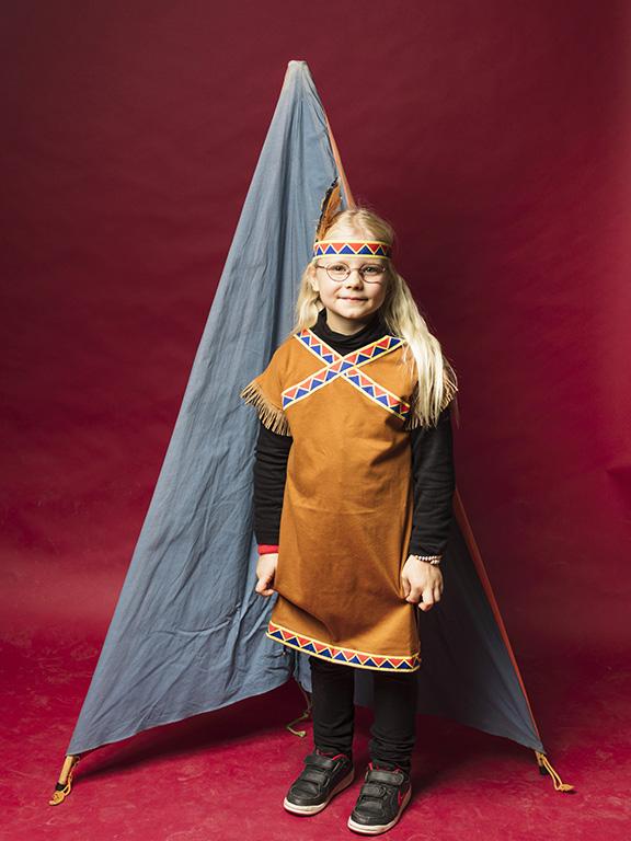 Bonnie Wallentin fyndade nya leksaker, en indiankostym och ett lektält för 150 kr.