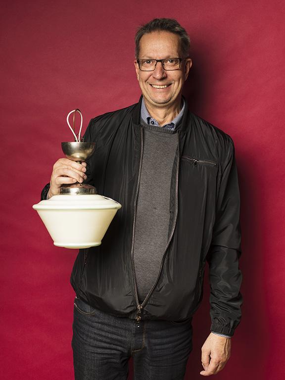 Håkan Westborg köpte en ny lampa till hallen för 600 kr.
