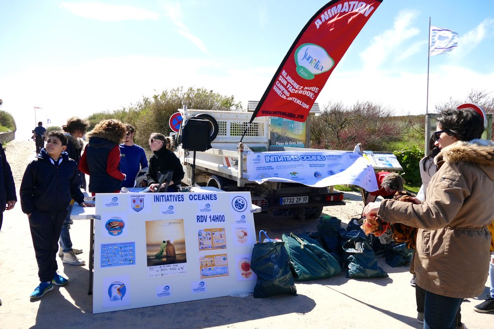 Nettoyage des Plages du Bois Plage en Ré - Avril 2016