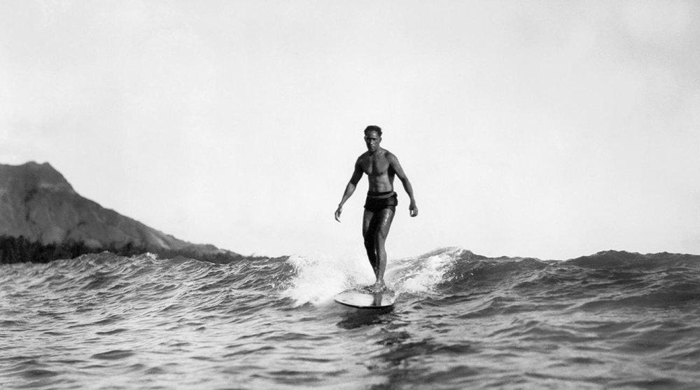 duke-kahanamoku-surf-histoire-SUP.jpg