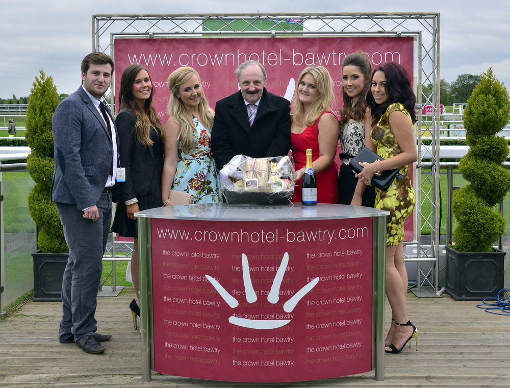 Guests of The Crown Hotel Bawtry with the winning owner along side Lauren & Hannah from Robinsons.