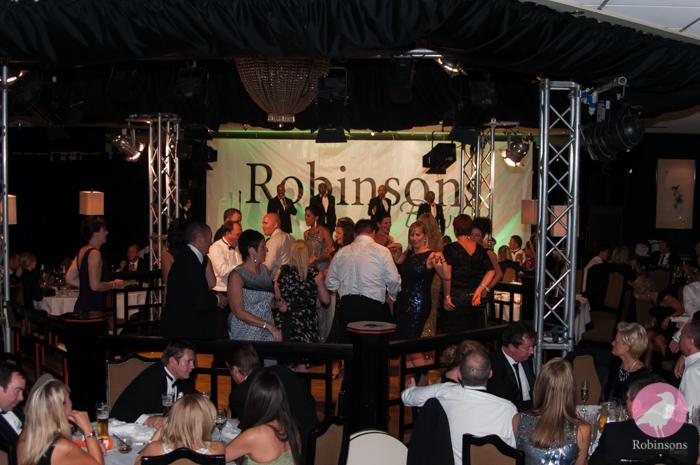 Robinsons-2013-fashion-show-pics-16.jpg