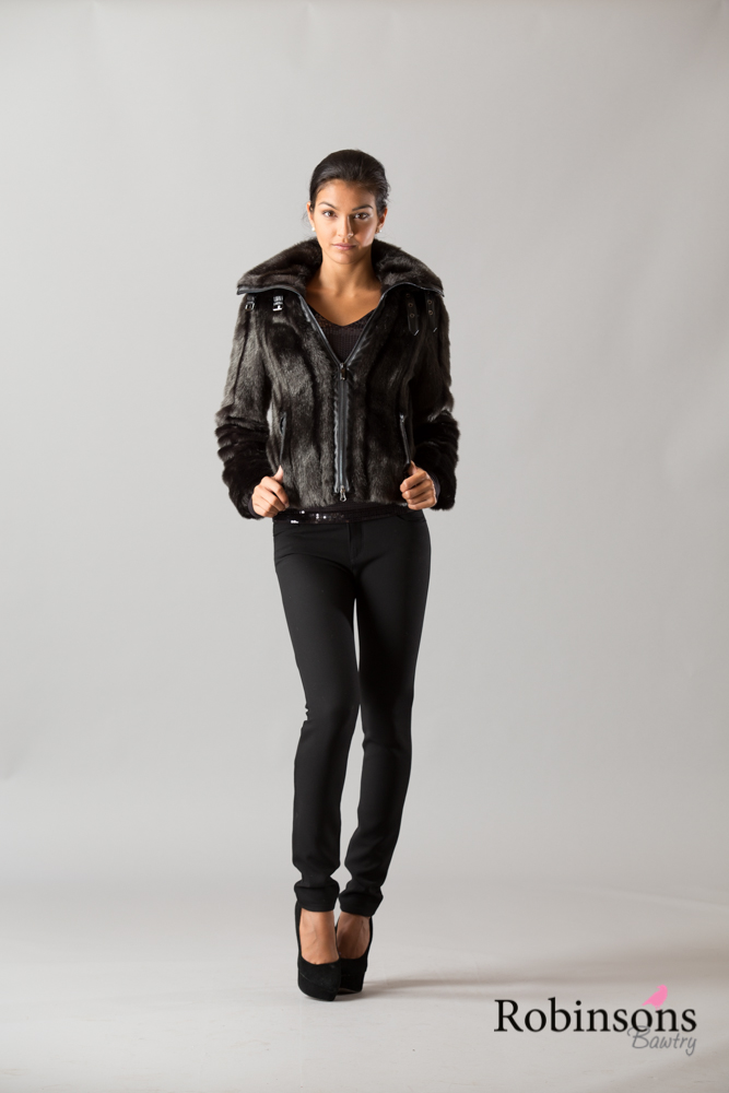 Robinsons-AW14-Ladies-FB-16.jpg