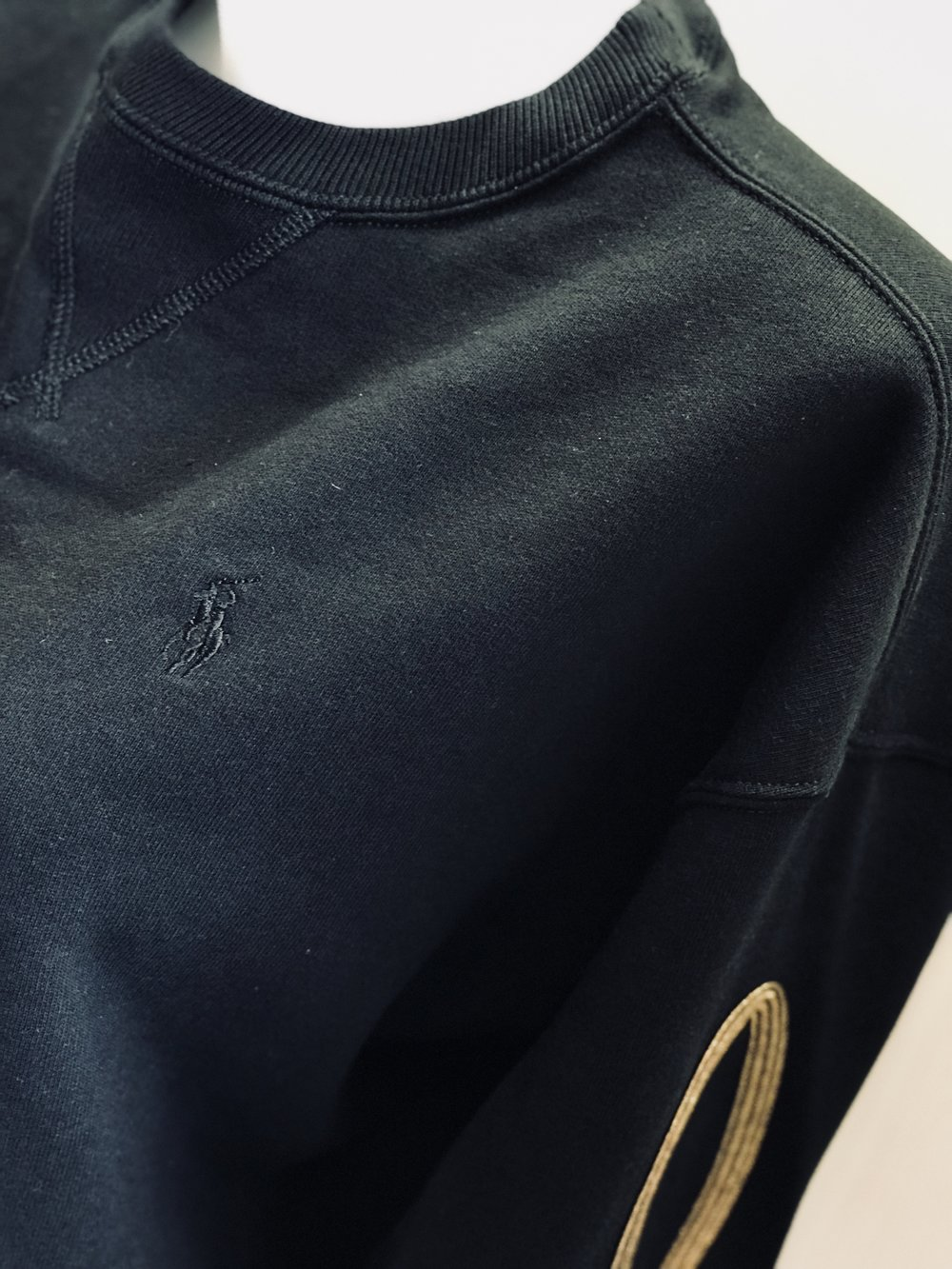 Co-ordinating  Ralph Lauren    sweatshirt.
