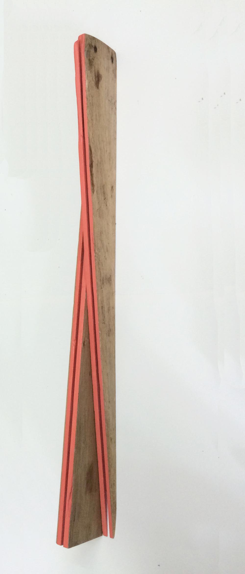 B- Lineas rosadas, 100 x 10 x 5 cms, óleo sobre madera
