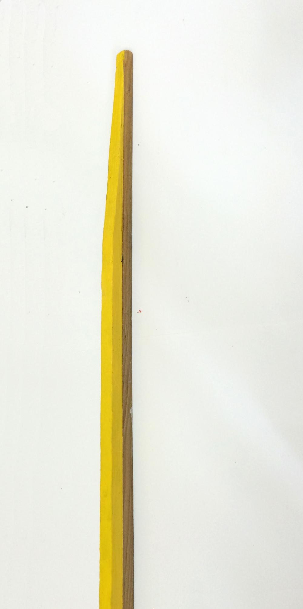 A- Linea amarilla, detalle, 120 x 3 x 5 cms, óleo sobre madera