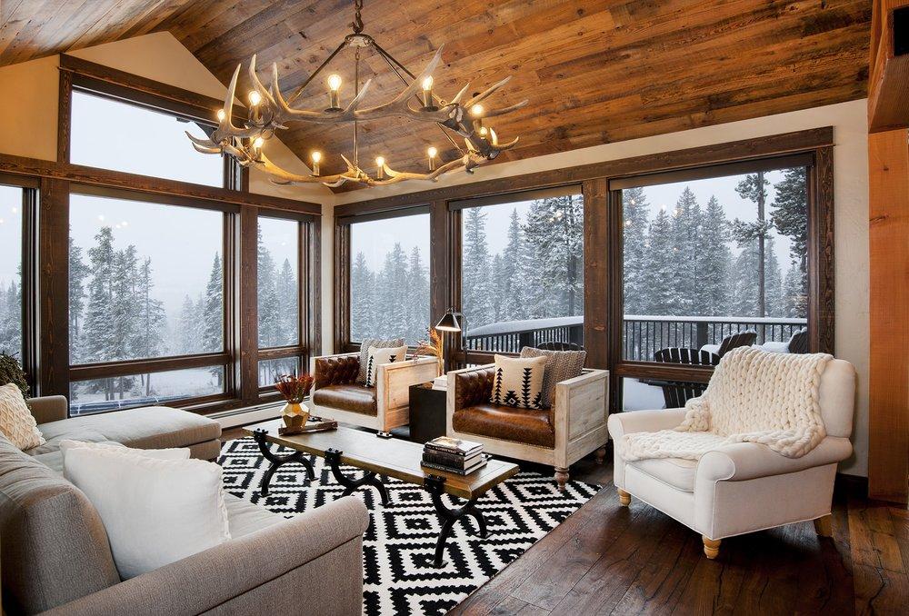 living room1 sm.jpg
