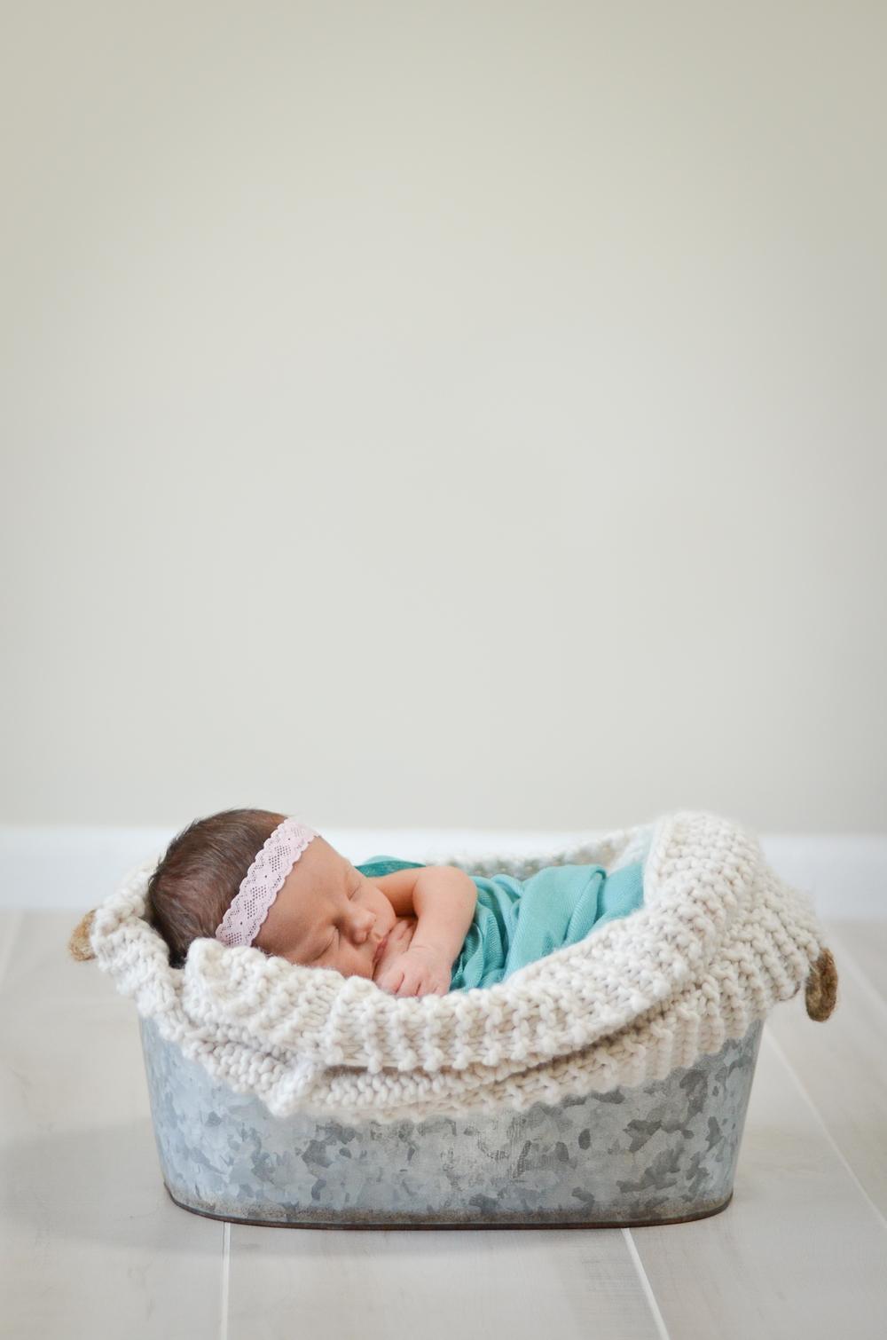 Elle Newborn-9.jpg