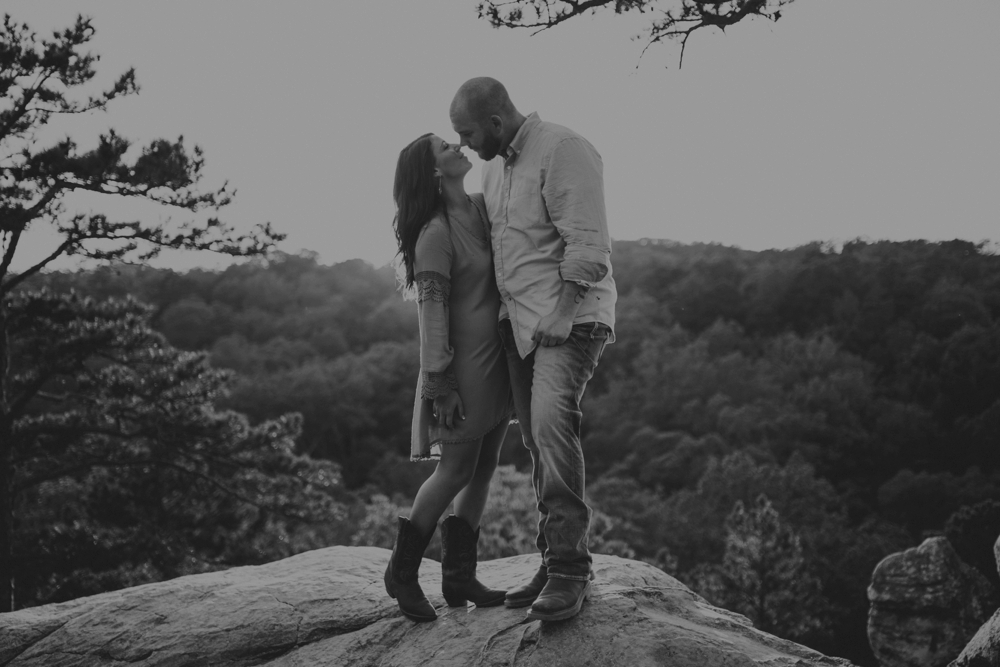 outdoorsy-engagement-photos_1099.jpg