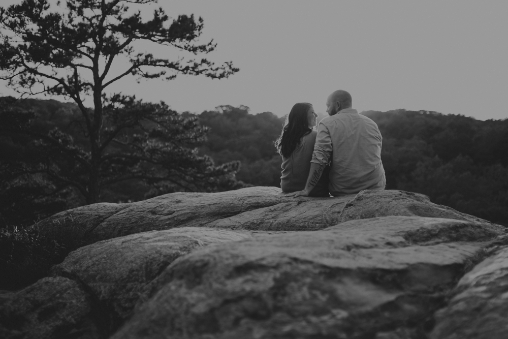 outdoorsy-engagement-photos_1101.jpg