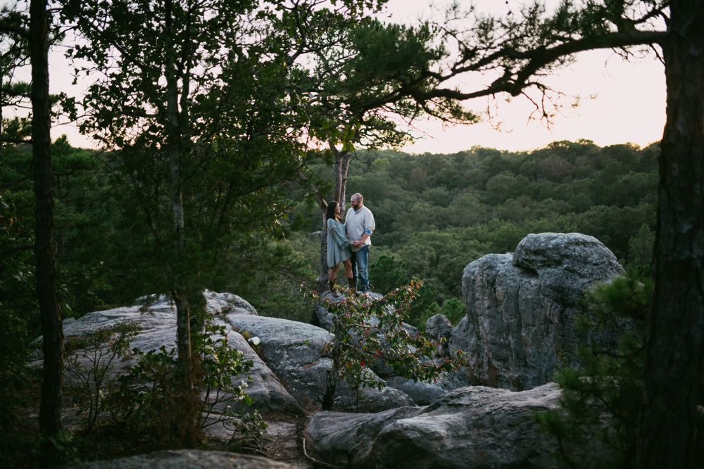 outdoorsy-engagement-photos_1105.jpg