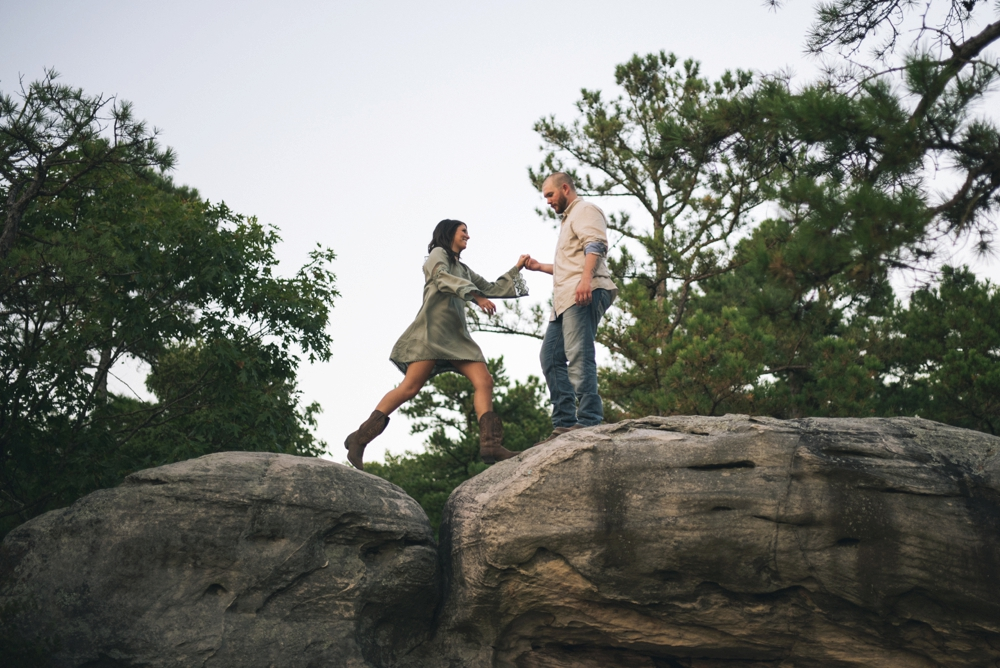 outdoorsy-engagement-photos_1106.jpg