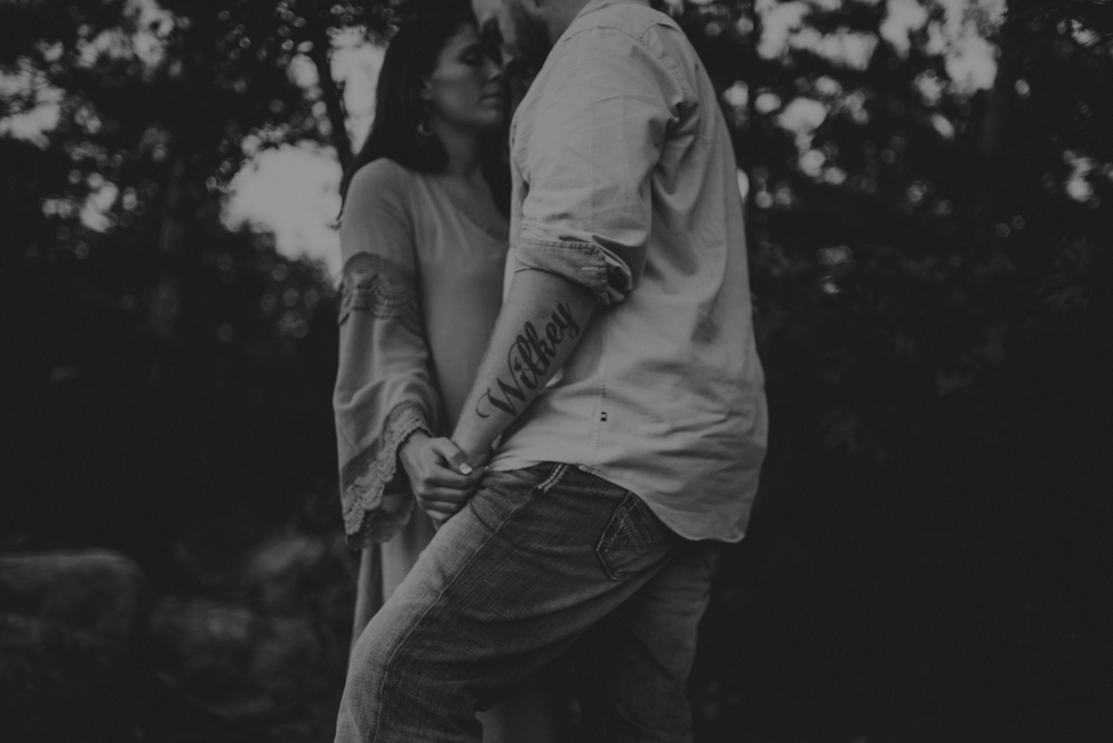 outdoorsy-engagement-photos_1107.jpg