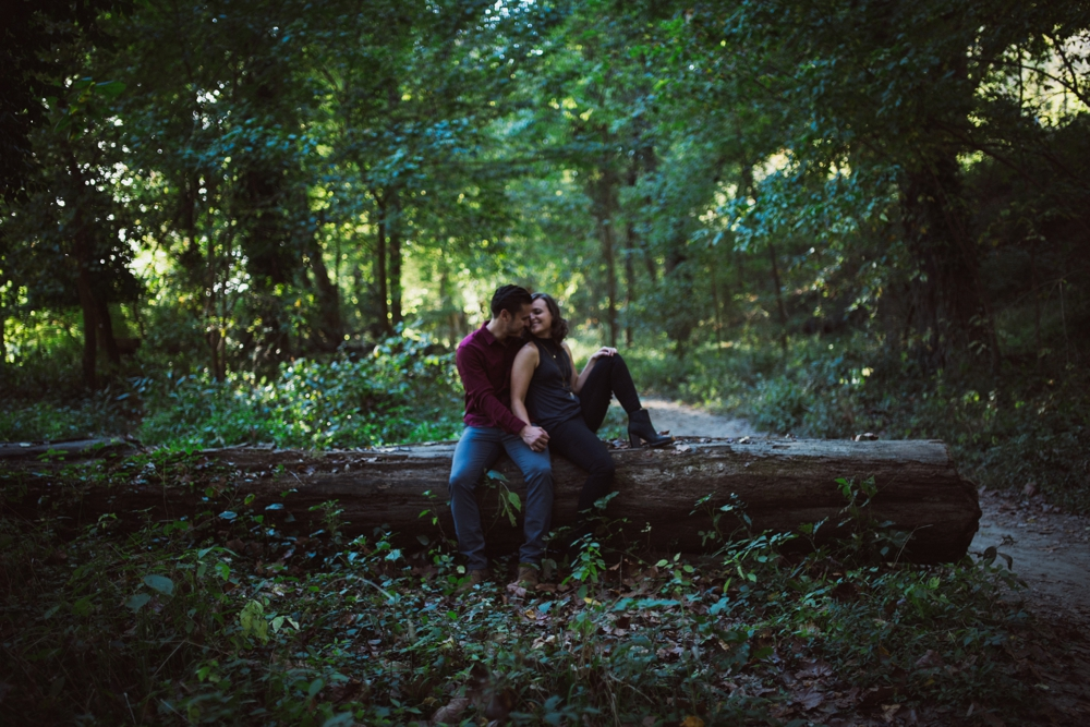 Castlewood-scenic-engagement-photos_1277.jpg