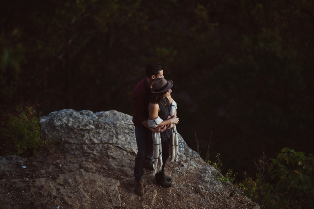 Castlewood-scenic-engagement-photos_1293.jpg