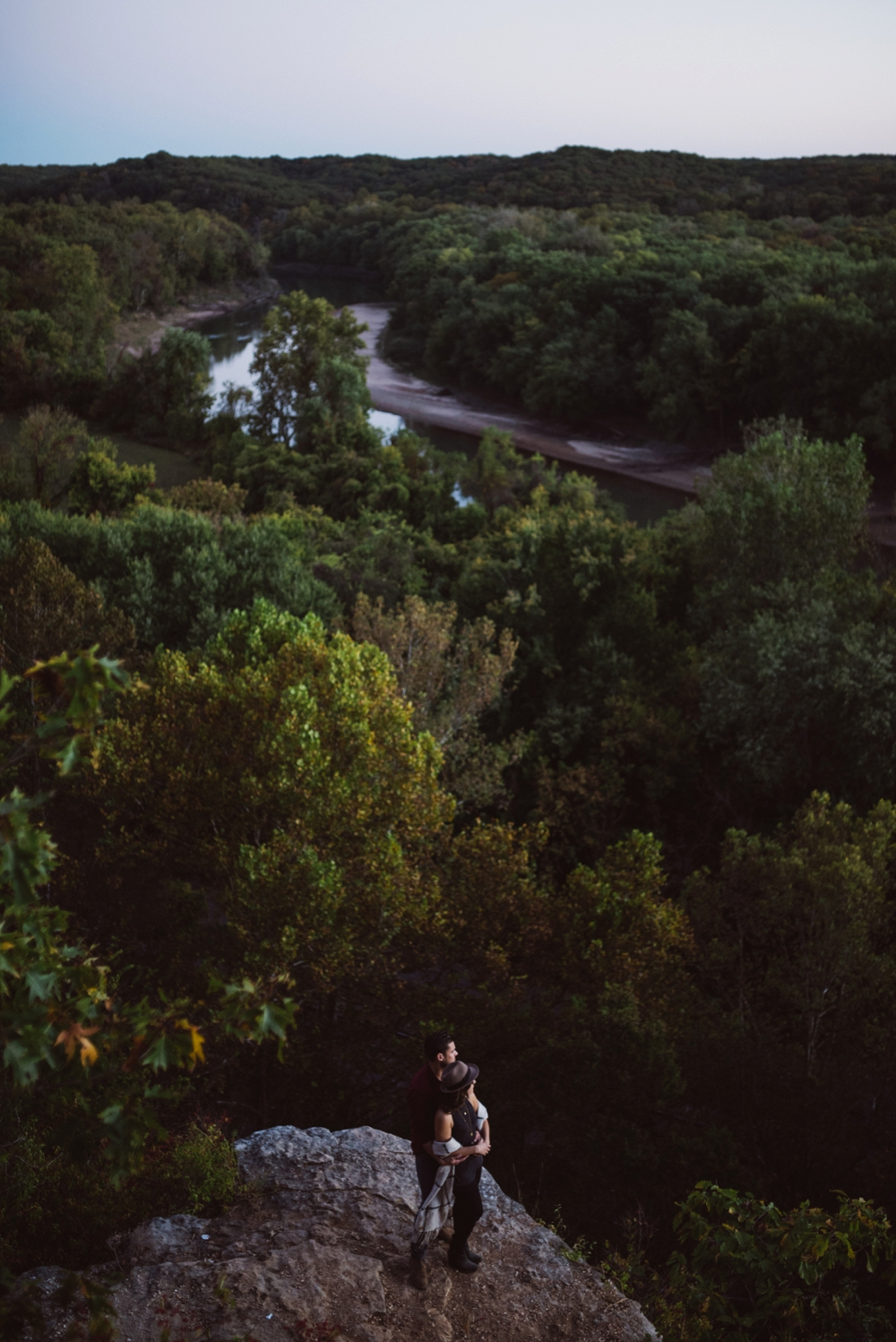 Castlewood-scenic-engagement-photos_1292.jpg