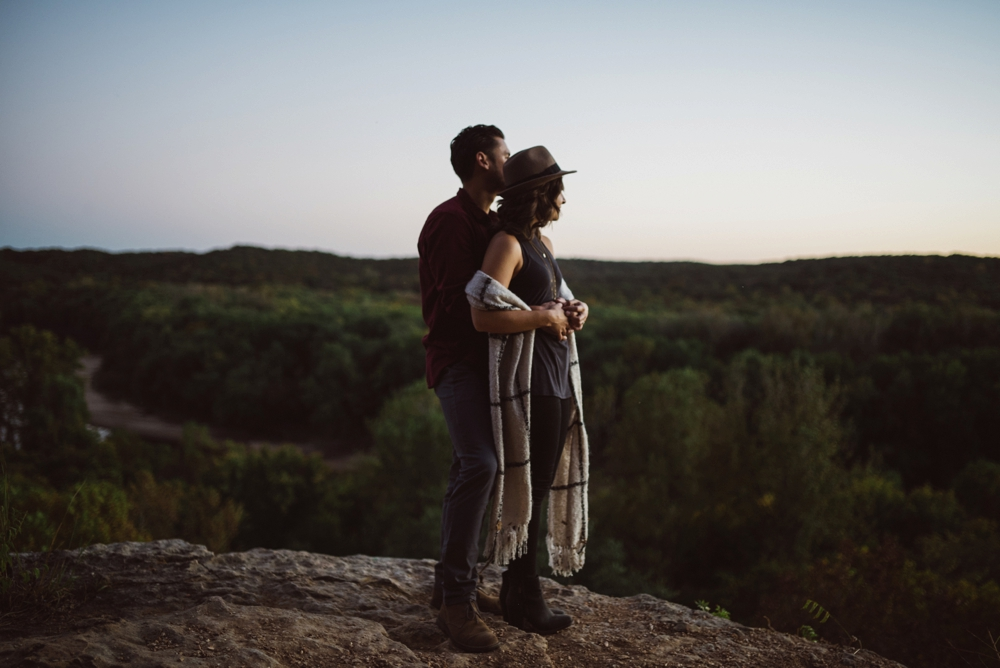 Castlewood-scenic-engagement-photos_1294.jpg