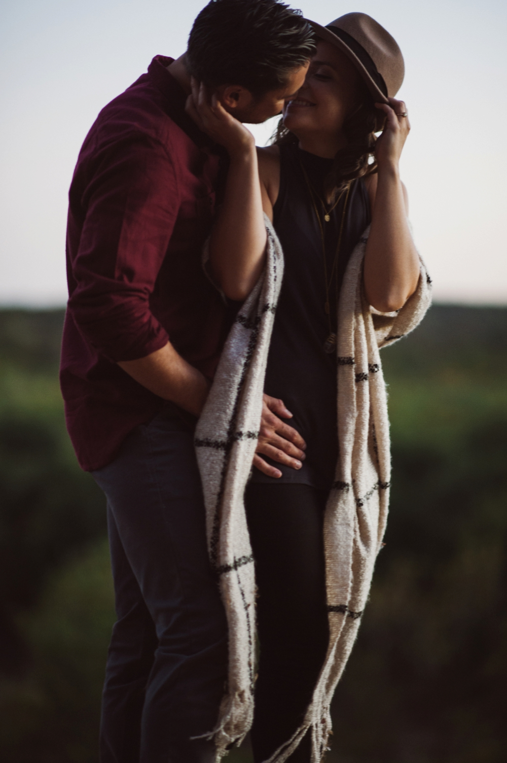Castlewood-scenic-engagement-photos_1299.jpg