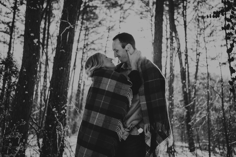 snowy-engagement-photos_0405.jpg