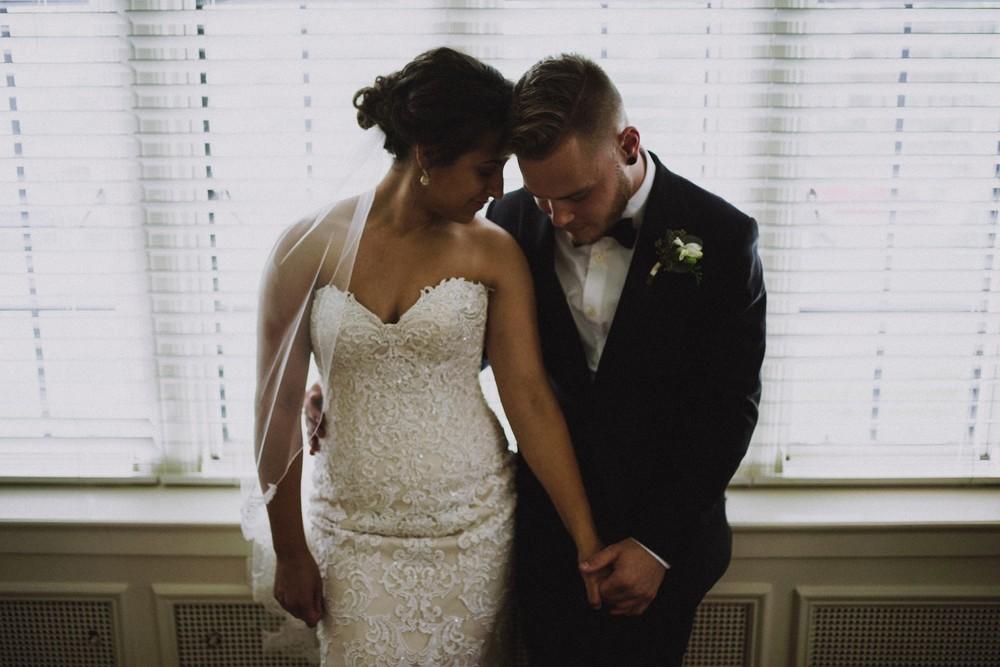 St-Louis-backyard-wedding-photos_0915.jpg