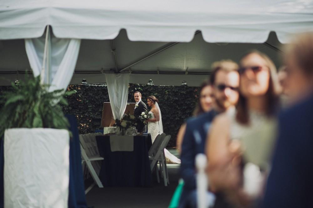 St-Louis-backyard-wedding-photos_0918.jpg
