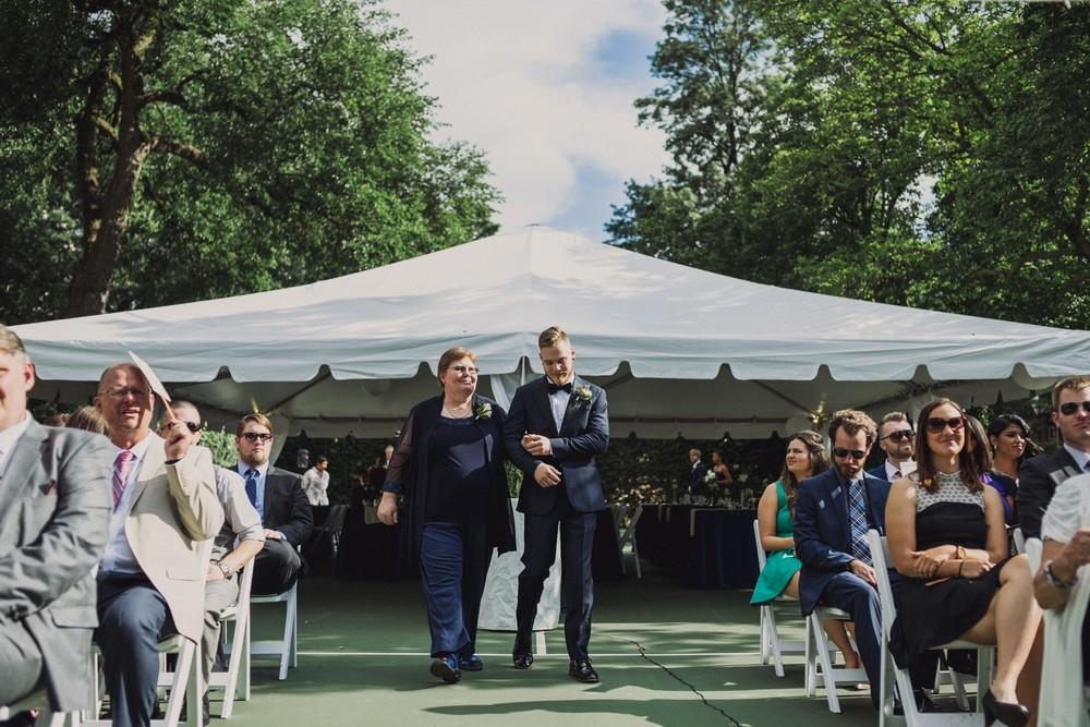 St-Louis-backyard-wedding-photos_0917.jpg