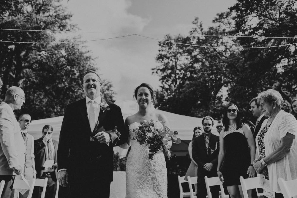 St-Louis-backyard-wedding-photos_0920.jpg