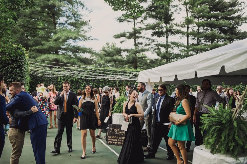 St-Louis-backyard-wedding-photos_0928.jpg