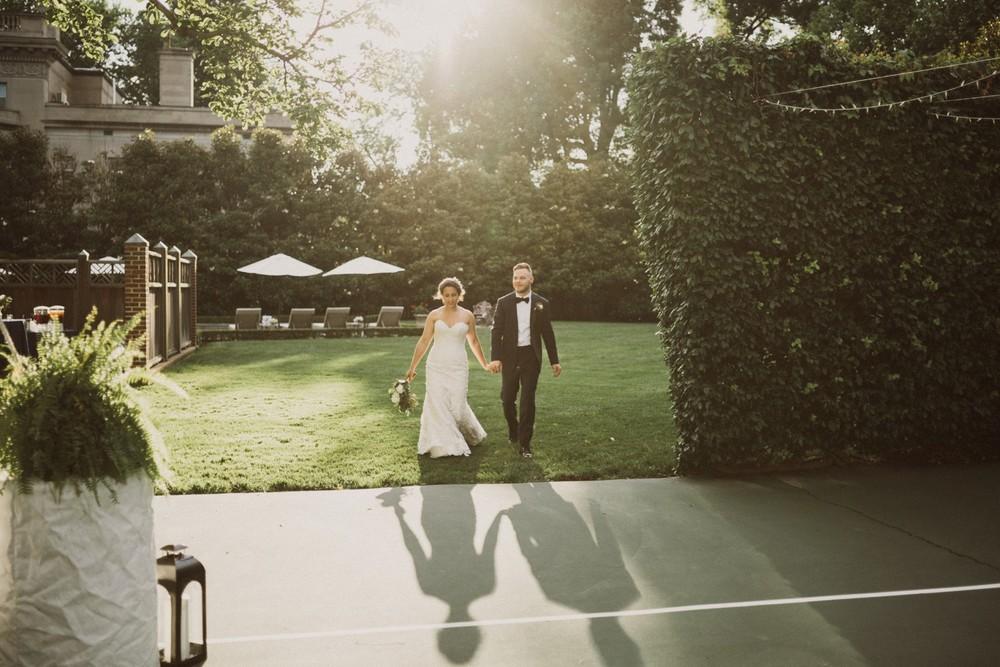 St-Louis-backyard-wedding-photos_0946.jpg
