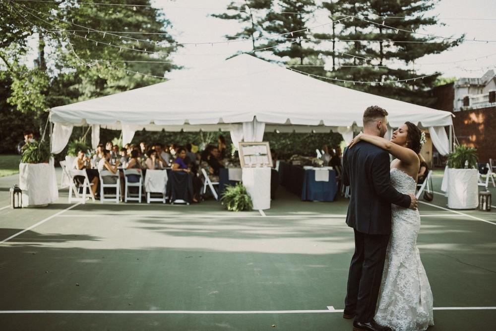 St-Louis-backyard-wedding-photos_0949.jpg
