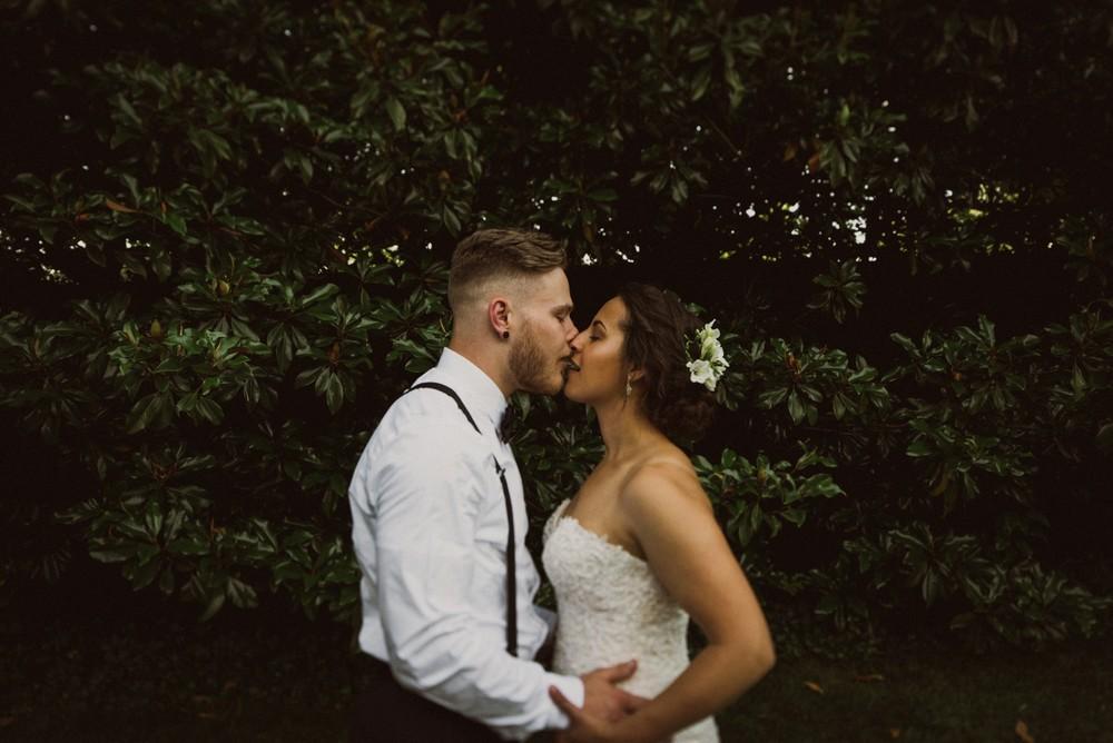 St-Louis-backyard-wedding-photos_0959.jpg