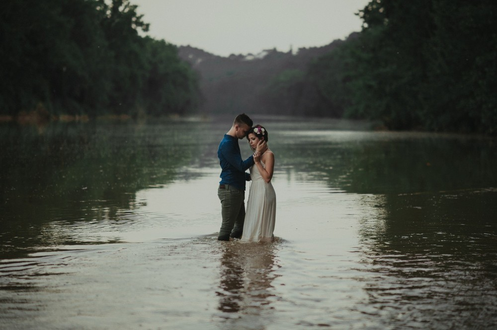 intimate-river-engagement-photos_1175.jpg
