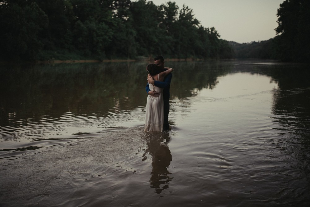 intimate-river-engagement-photos_1176.jpg