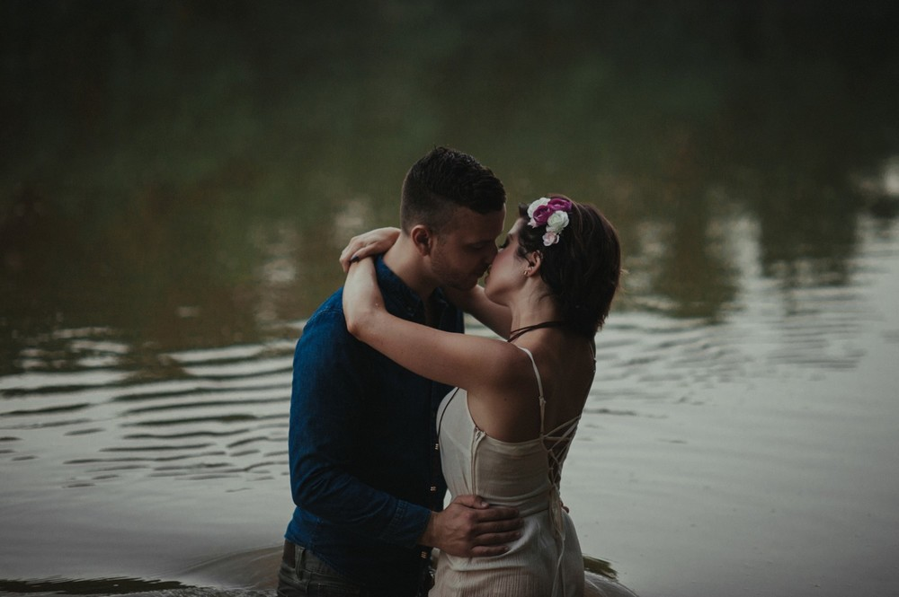 intimate-river-engagement-photos_1177.jpg