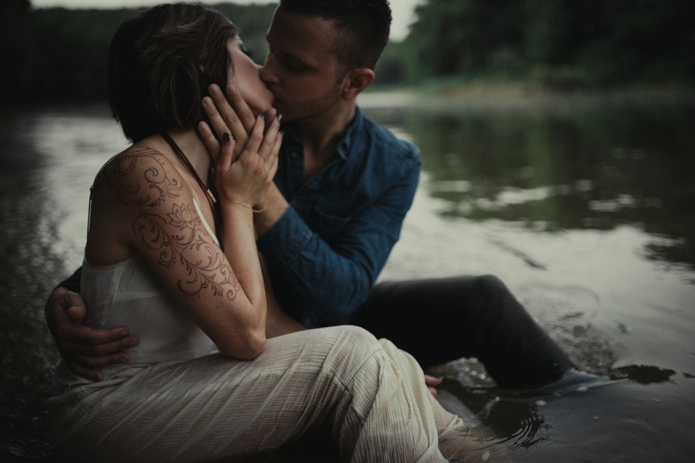 intimate-river-engagement-photos_1181.jpg