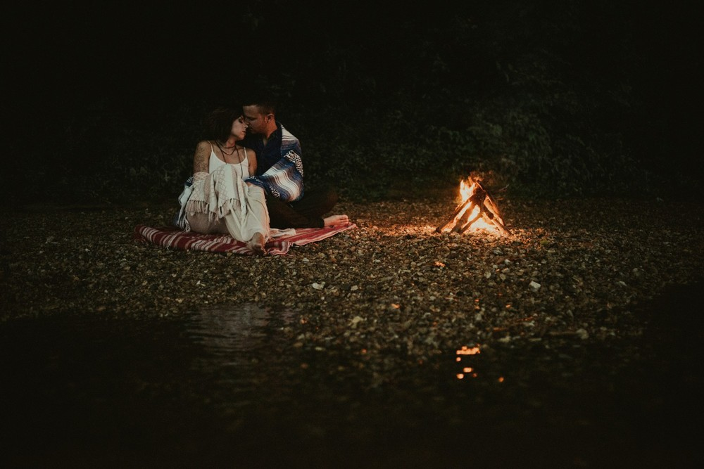 intimate-river-engagement-photos_1186.jpg