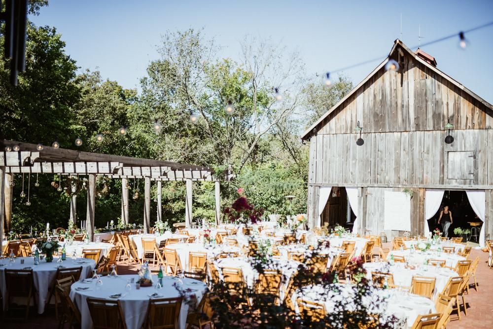Farm-wedding-at-Mortons-Grove-St-Louis-7.jpg