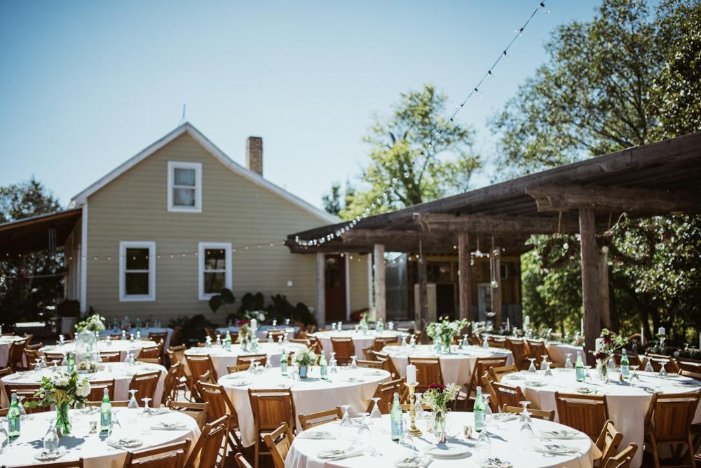 Farm-wedding-at-Mortons-Grove-St-Louis-10.jpg