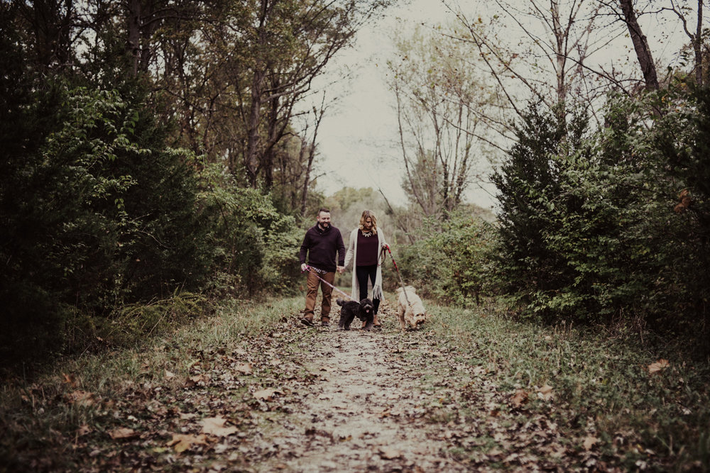 outdoorsy-fall-engagement-photos-St-Louis-1.jpg