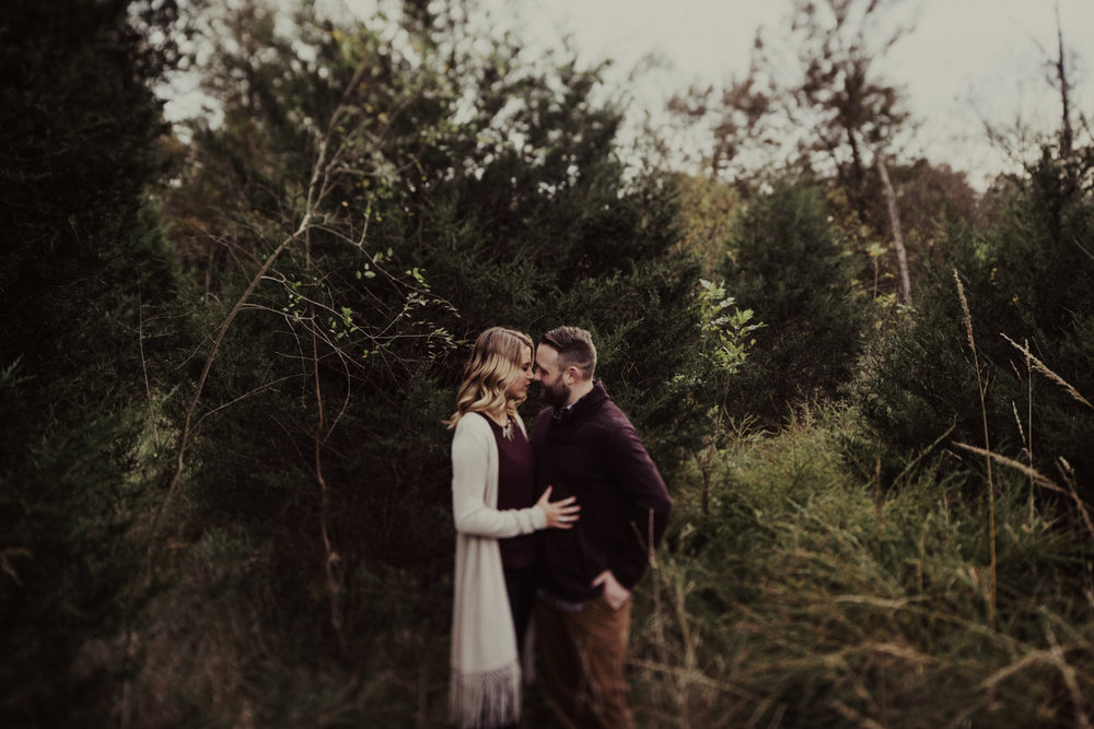 outdoorsy-fall-engagement-photos-St-Louis-9.jpg